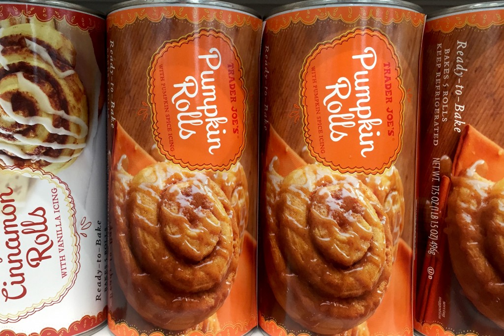 trader-joe-pumpkin-rolls-4417